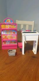 Barbie shop set