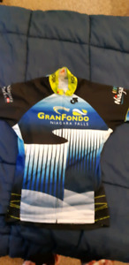 Youth cycling jersey size small