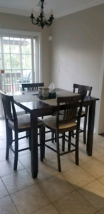 Breakfast table,chairs and hanging light
