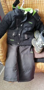3T Winter Coat w\ Snowpants size 9 boot