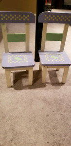 Little play chairs for your little one!