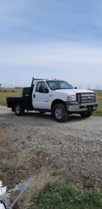 2005 Ford F350 Super Duty XL 4x4 diesel  flatbed