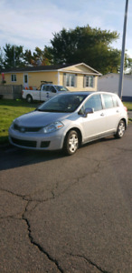 Nissan versa hatchback REDUCED