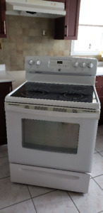 """ELECTRIC RANGE/STOVE, 30"""" white Kenmore, SELF-CLEAN Oven"""