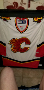 Calgary flames team auto graphed Jersey