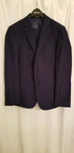 Dark Blue Men' Slimfit Suit. PRISTINE CONDITION! WORN 5 HOURS!