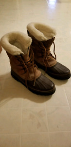 Sorel boots (says 10, fits like a 9)