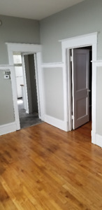 Newly renovated 4 Bed in West End Available June 1st