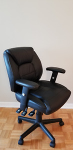 Task Chair (very clean & new)