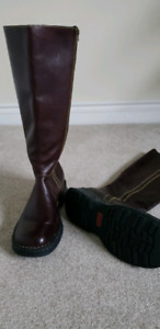 Leather boots size 7.5-8