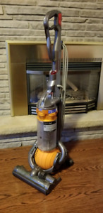 Dyson Ball DC25 rarely used for sale.