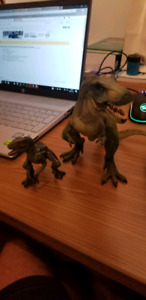 Figurines dinosaure et dragon papo