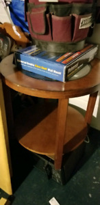 End table with glass in-lay