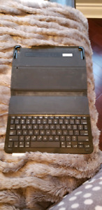 Logitech iPad air 2 case with keyboard
