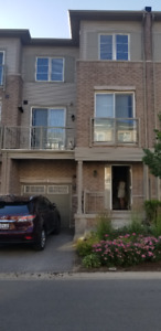 Townhouse 2 bedroom,3 stores in Milton