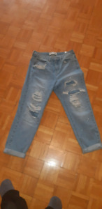 2 America eagle jeans size 6 and garge jeans size 7
