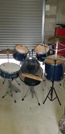 CB 7 piece drum kit