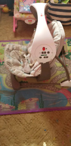 Vibrating baby swing with 6 speed and lullabies