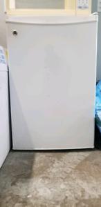 GE Mini fridge with Freezer