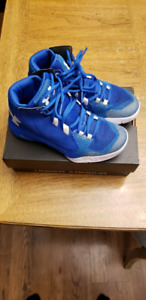 Youth Underarmour Basketball shoes
