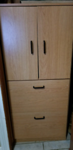 Large cupboard hutch thing
