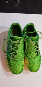 Soccer Cleats - Size 4 & 5