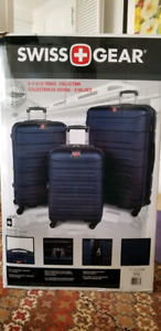 Brand new large Swiss Gear suitcase