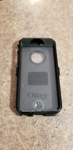 iphone 5s Otter box case.