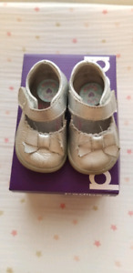 Pediped size 5 toddler shoes