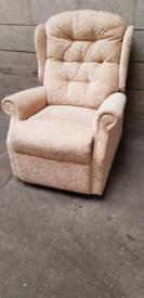Manual recliner arm chair