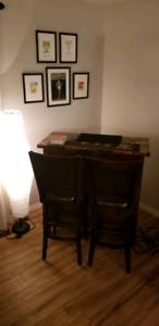 Bar w/stools