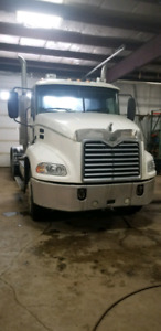 2006 MACK HEAVY SPEC DAY CAB