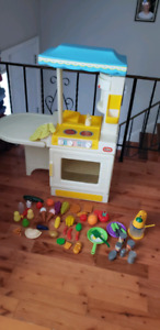 Kids play Kitchen (Little Tikes) and Accessories