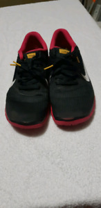 Women's Nike Livestrong 4.0 shoes