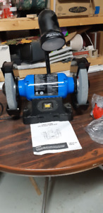 MASTERCRAFT 8 INCH BENCH GRINDER -LIKE NEW CONDITION