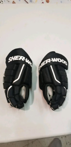Youth sherwood hockey gloves
