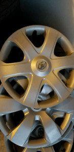 Toyota 16 inches hubcaps