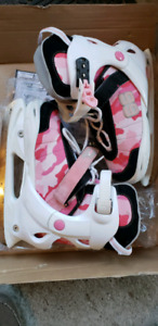 Adjustable girls skates sizes 3 to 6
