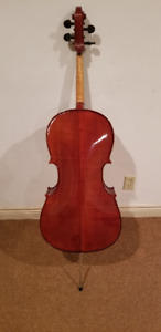 3/4 size, gently used excellent condition Musino cello