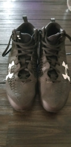 Under Armour Nitro Football Cleats Sz 8