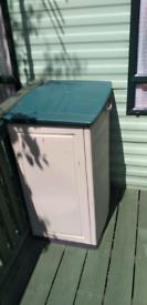 Small storage unit