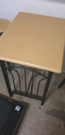 George Oliver Table with stools