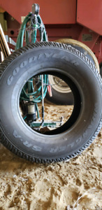 255/75r17 Jeep tires