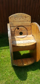 Cable reel chair