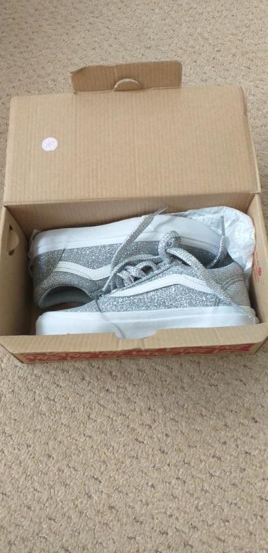5fb30021752a Vans Kids Old Skool V Sneaker - Lurex Glitter Silver ( Never Worn - ne ...