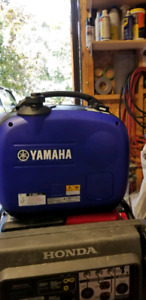 Like new! Yamaha EF 2000 iS Inverter Generator