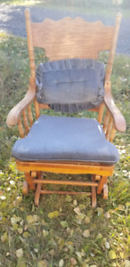 Rocker with matching foot stool