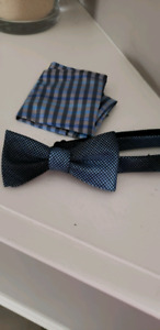 Blue bow tie and dress shirt size 12