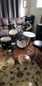Selling a complete 5 piece Westbury drum kit. Black in color. Co