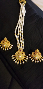 EARINGS & GOLD NECKLACE SET 22KARAT WEIGHT 40 GRAMS FOR SALE